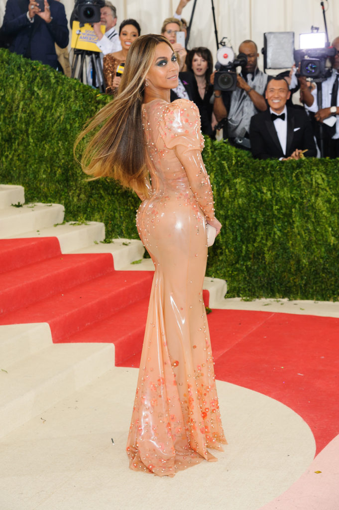 Beyonce hourglass figure