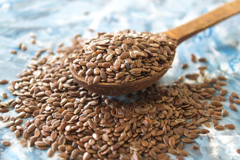 eat flax seeds to reduce cellulite and have a nice butt