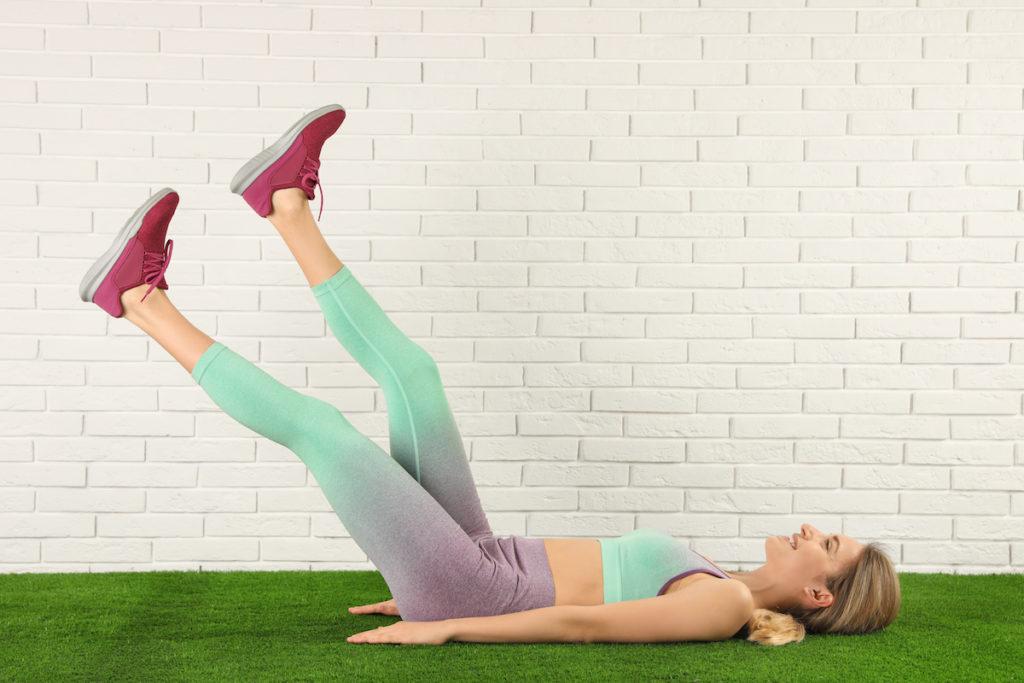 lower ab workout with scissor kicks