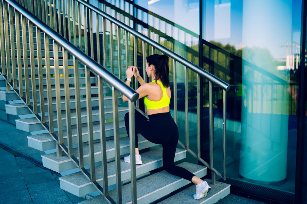 lunges on stairs butt workout Chicago body contouring