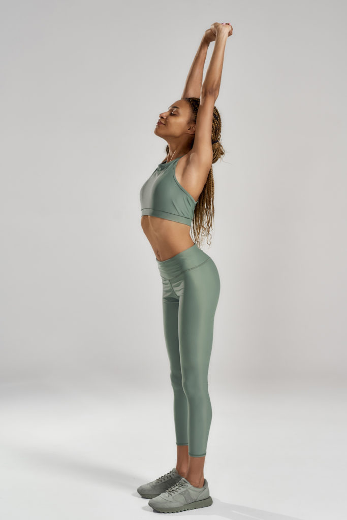 standing ab stretch post body contouring stretch Chicago TushToners