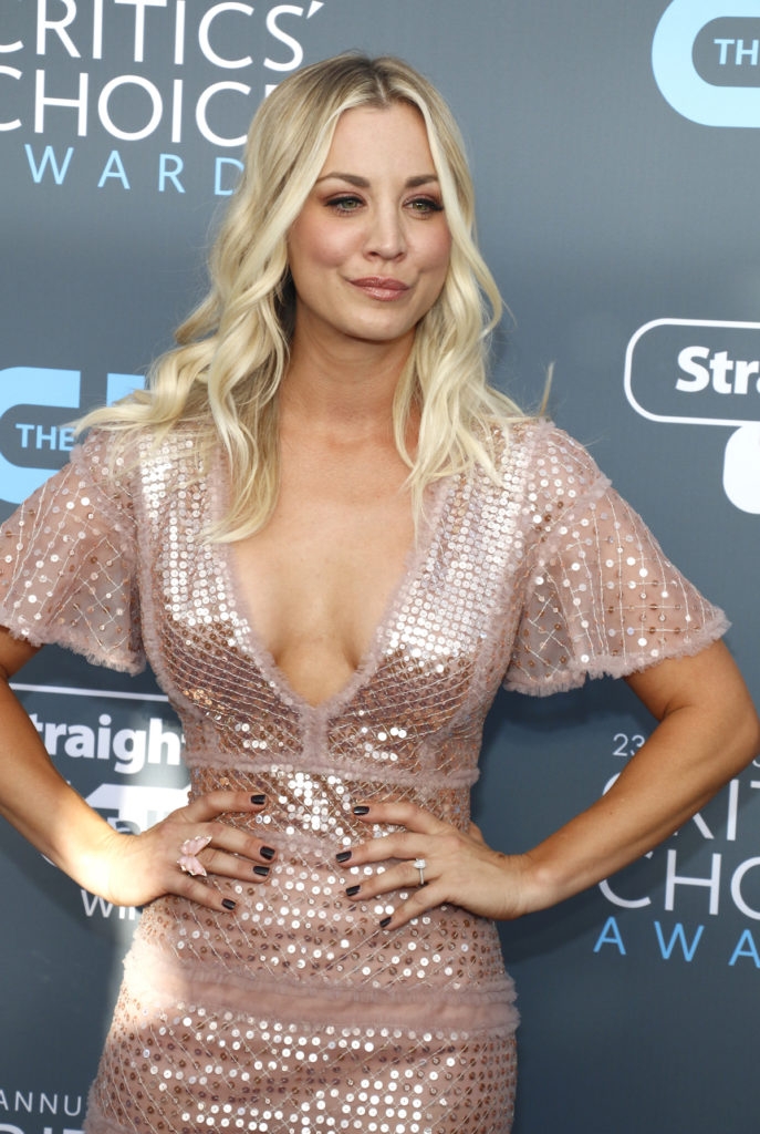 Kaley Cuoco best female abs in Hollywood